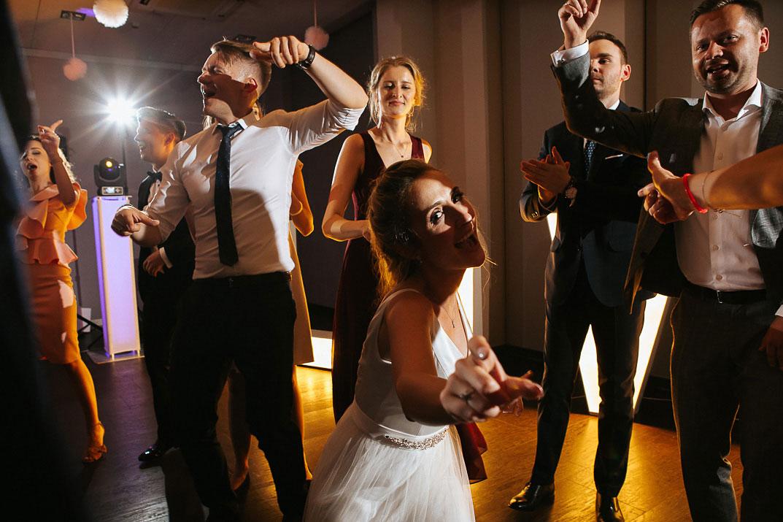 Pierwszy tanieć ślubny